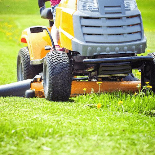 Ride on lawn mowing in Narre Warren